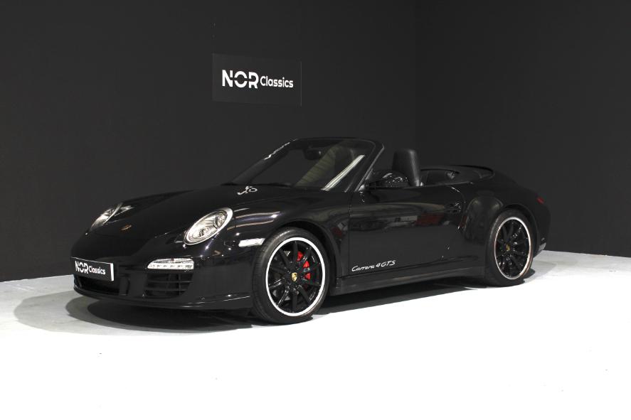 Porsche 997 Carrera 4 GTS 2012